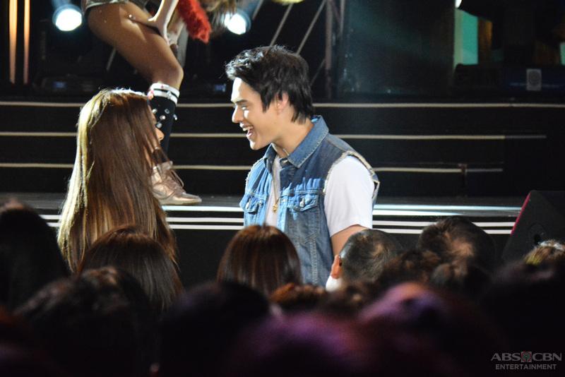 PASILIP: Kapamilya stars, hataw sa pagsayaw sa ABS-CBN Christmas 2015 Special
