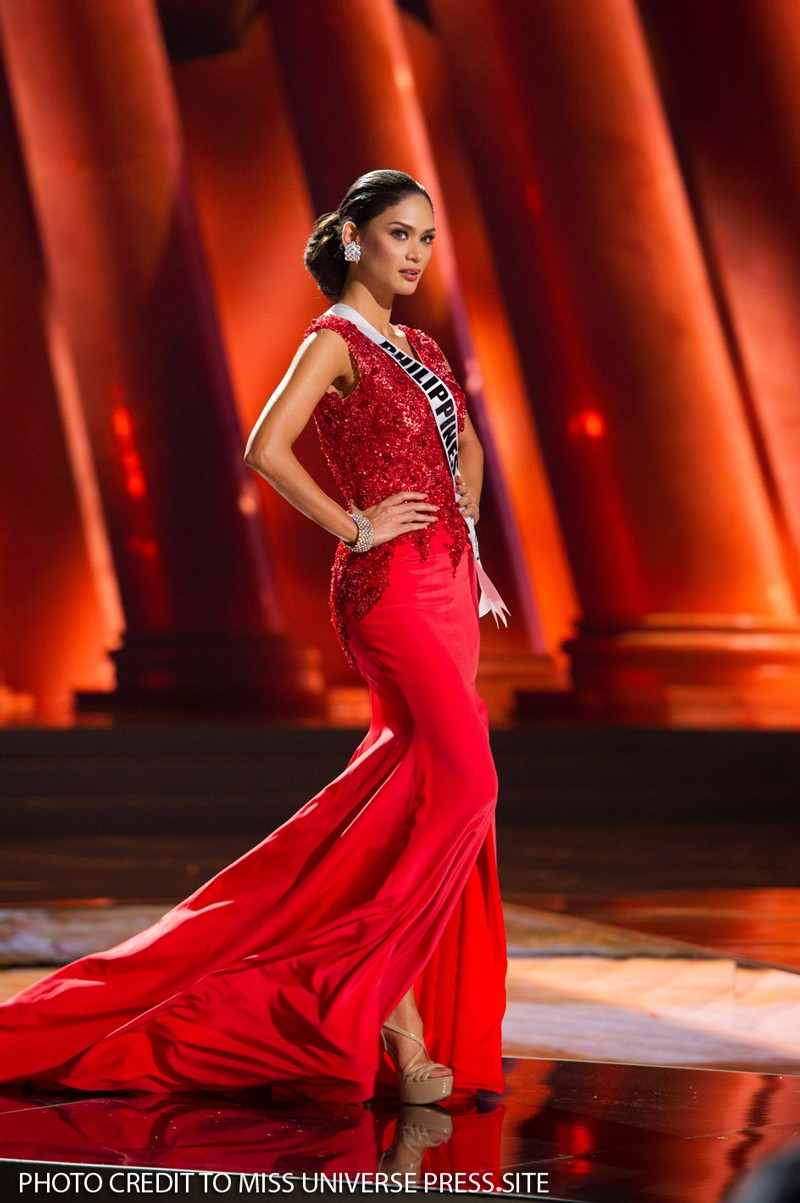 Pia's fight for Miss Universe crown airs via satellite on ABS-CBN