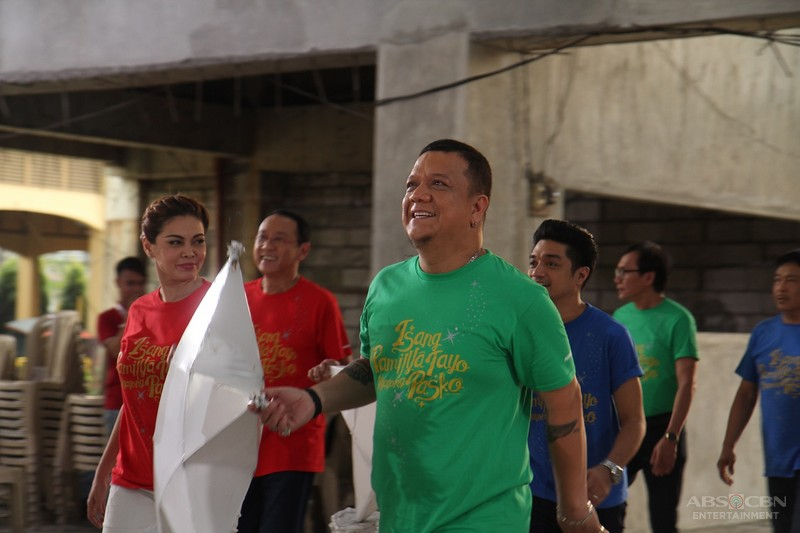 "ABS-CBN'S ""Isang Pamilya Tayo Ngayong Pasko"" Christmas station ID to inspire Kapamilya to rise through challenges"
