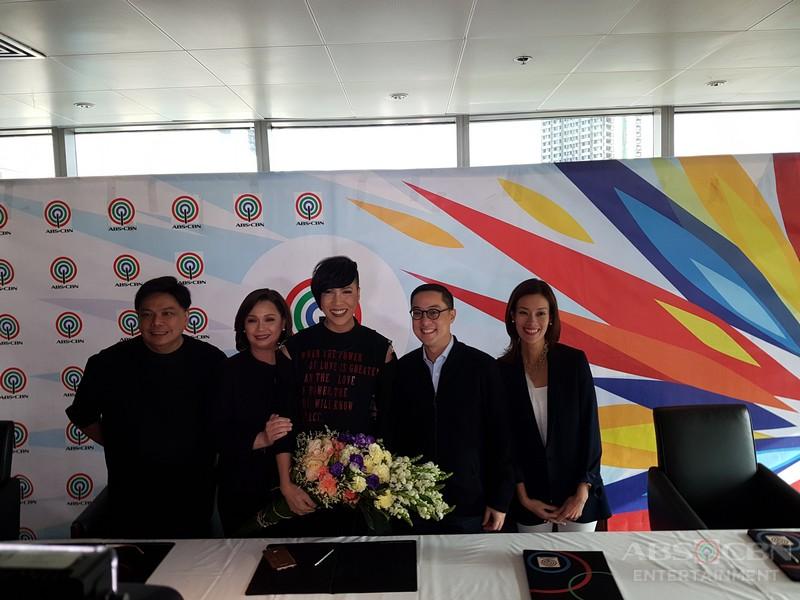 PHOTOS: The Unkabogable Vice Ganda renews his exclusive contract with ABS-CBN