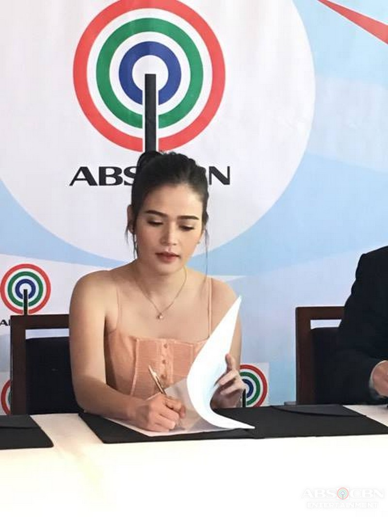 PHOTOS: Bela Padilla signs an exclusive contract with ABS-CBN