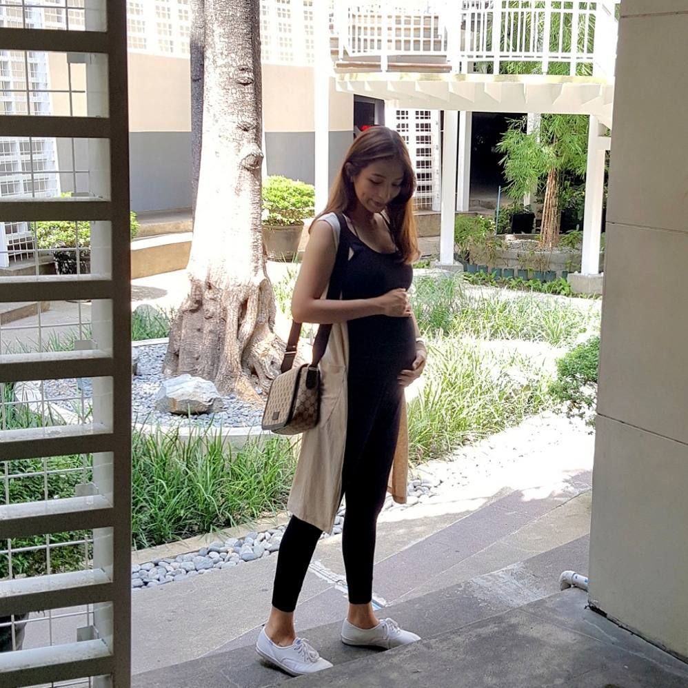 13 blooming celebs and their baby bumps!