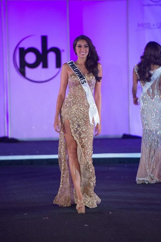 Rachel Peters wows crowd in Miss Universe preliminaries