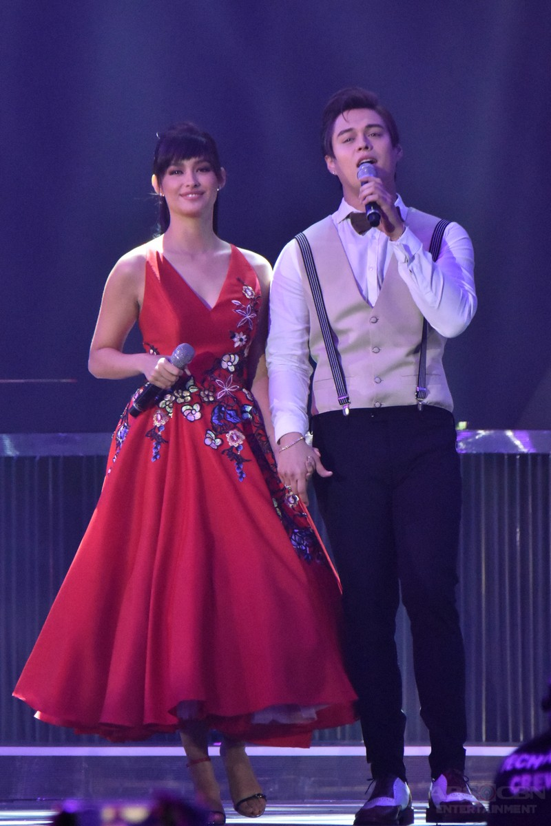LizQuen at the Just Love: The ABS-CBN Christmas Special