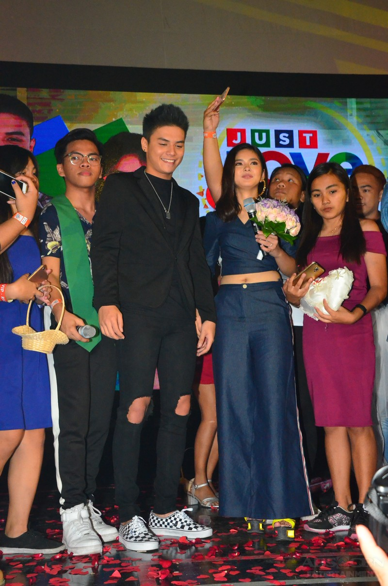 IN PHOTOS: Ronnie and Loisa's 'kasal kasalan' at the Just Love Araw Araw Fan Meet