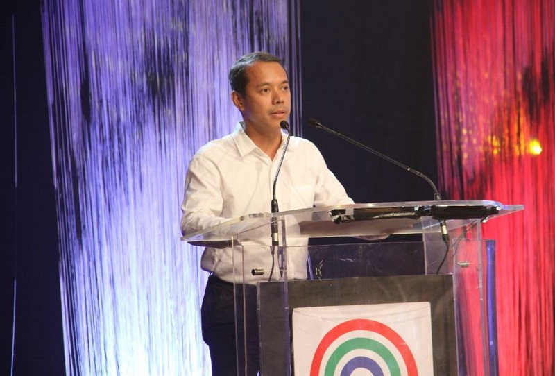"ABS-CBN launches ""One Love, One Pinas"" campaign on Independence Day"
