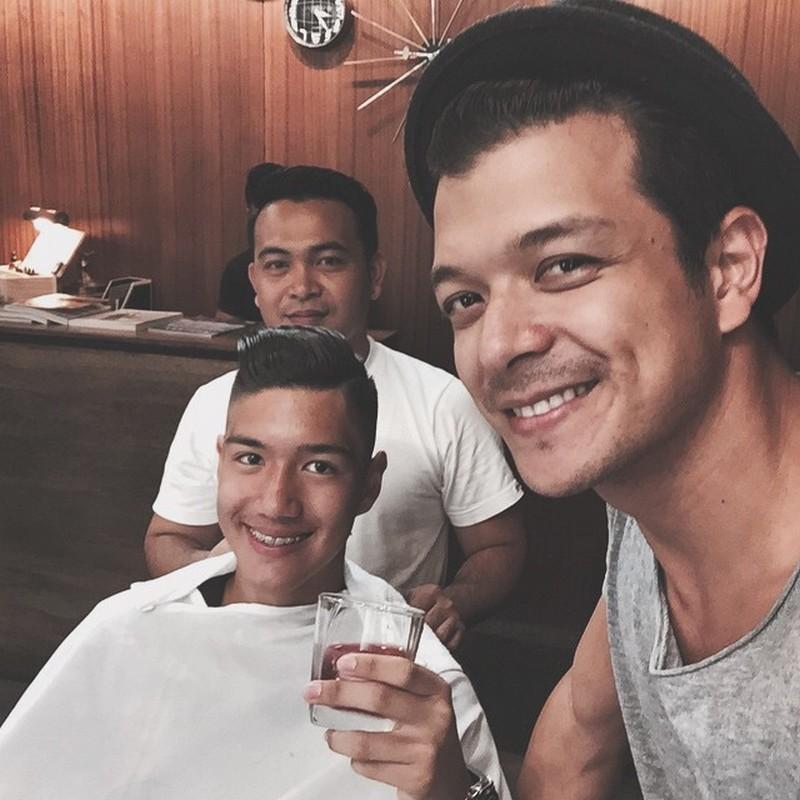 Mga litrato ni Jericho Rosales kasama ang kanyang binatang anak na si 'Santino'