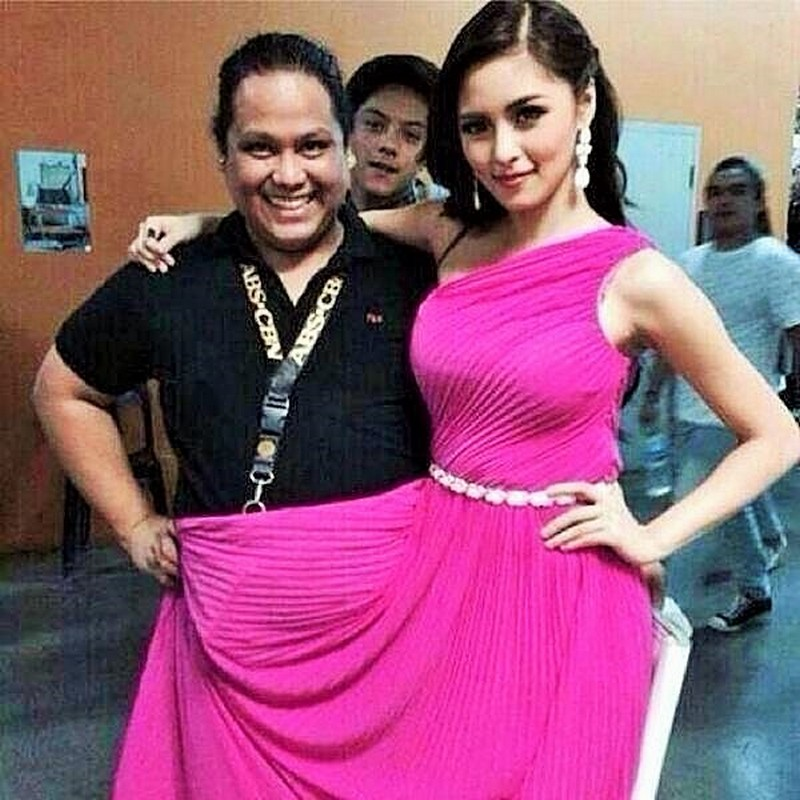 Funny celebrity 'photobomb' moments that will make you ROFL!
