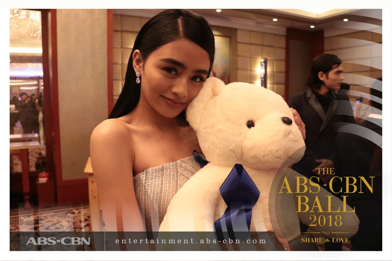 LOOK: These celebs went solo at the ABS-CBN Ball 2018 but found an adorable bear as their date!