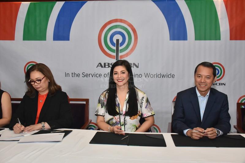 PHOTOS: Asia's Songbird Regine Velasquez-Alcasid inks contract with ABS-CBN