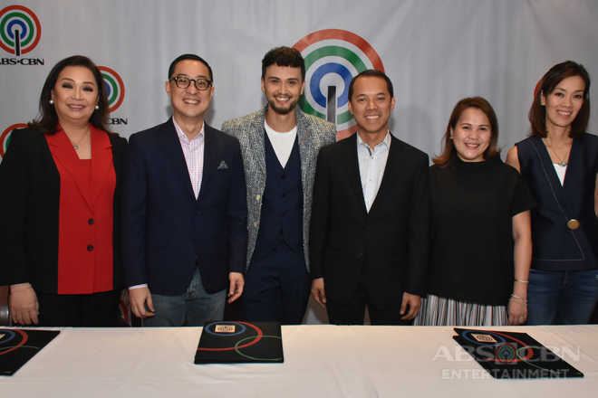 PHOTOS: Billy Crawford inks contract with ABS-CBN