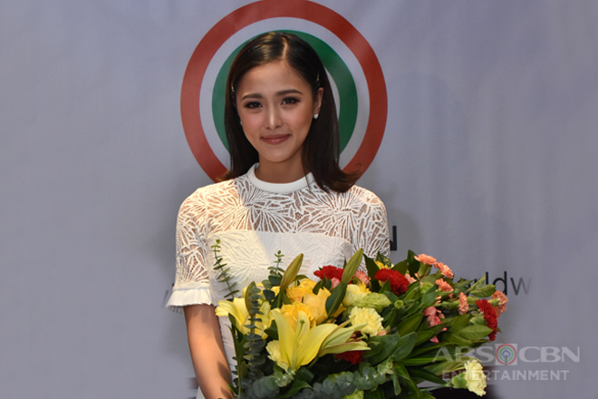 Kim Chiu signs new contract with the Kapamilya Network