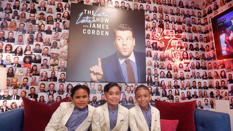 Ariana Grande Sings 'And I Am Telling You' with the TNT Boys