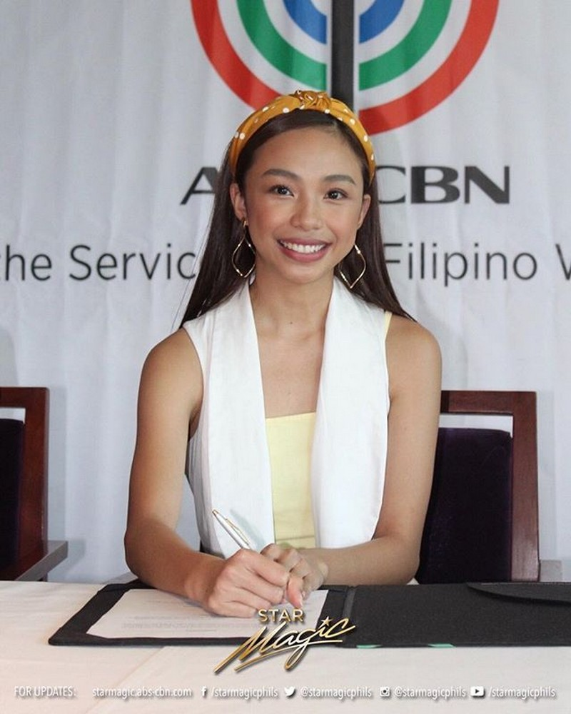 IN PHOTOS: MayWard signs network contracts with ABS-CBN