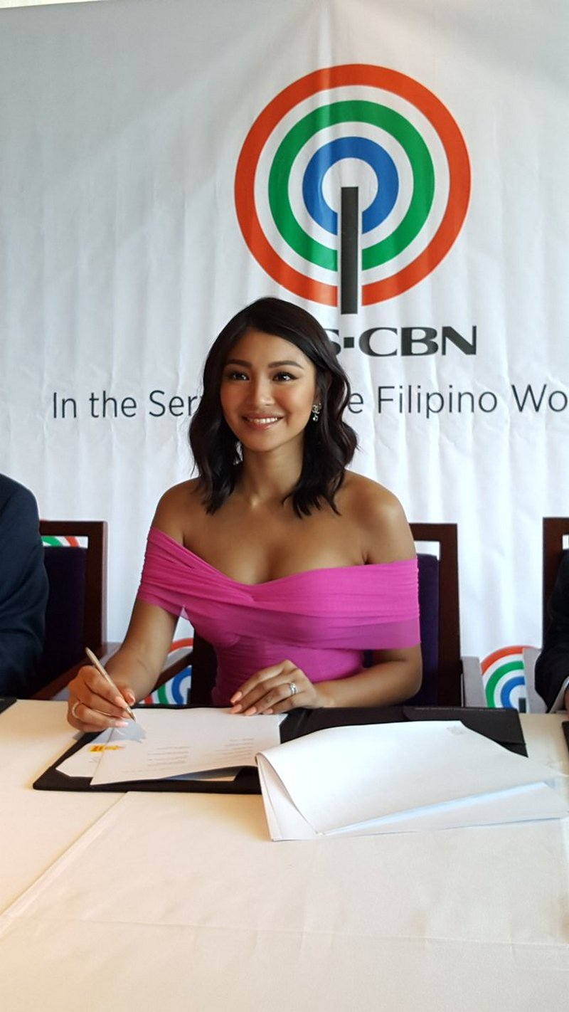 PHOTOS: Nadine Lustre renews contract with ABS-CBN