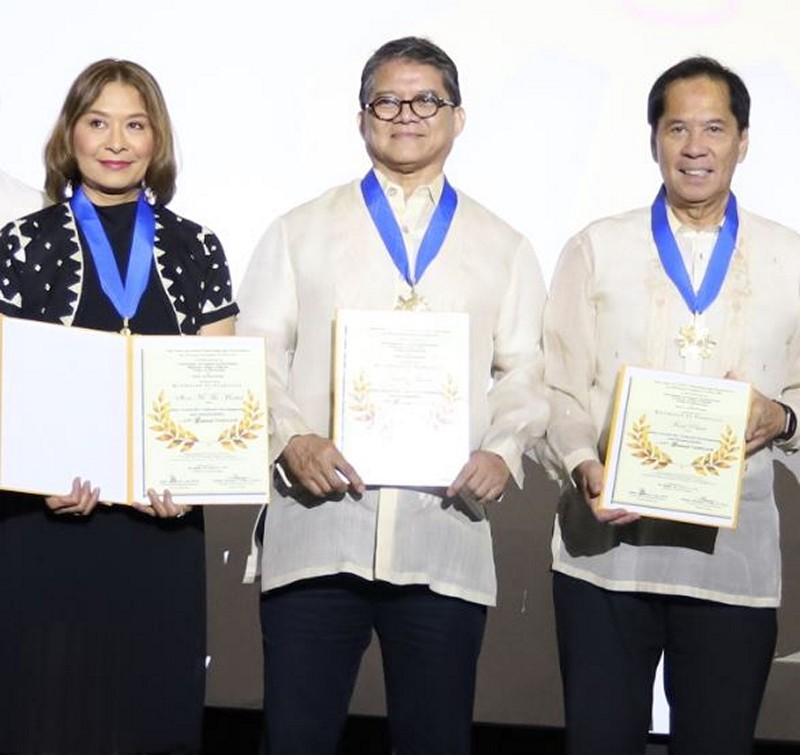 ABS-CBN earns lifetime achievement award from Gawad Tanglaw