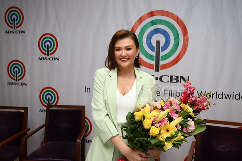 Amy, Angelica, Pokwang and Julia ink exclusive contracts with ABS-CBN