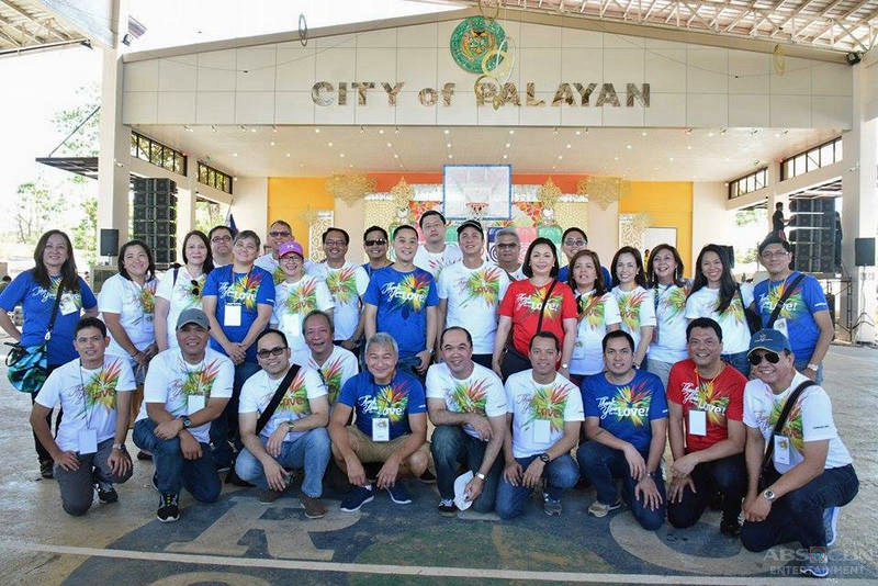 ABS CBN successfully holds Christmas gift giving to 1000 typhoon stricken families 3