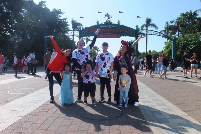 """Momshies Melai, Karla, and Jolina explore Hong Kong Disneyland in special """"Magandang Buhay"""" episodes"""