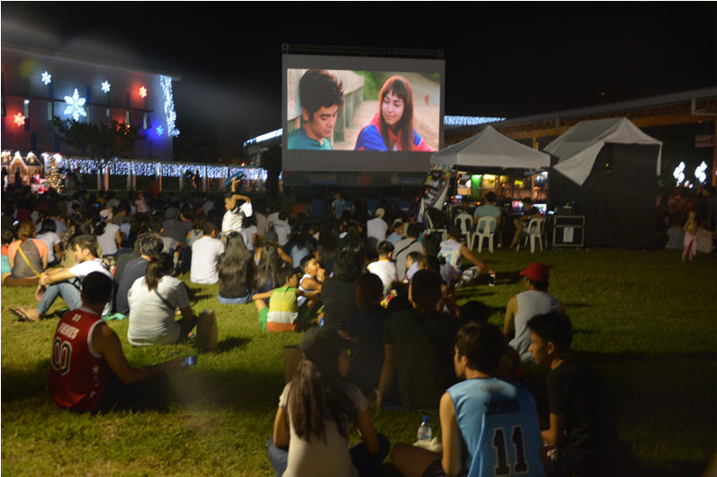 OPEN AIR CINEMA A Night of Movies Games and Family Fun Time 3