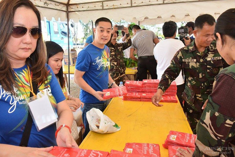 PHOTOS: Thank you for the love Christmas gift giving